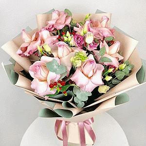 Воздушный поцелуй +30% цветов с доставкой в Новосибирске