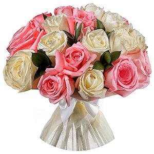 Букет из 43 белых и розовых роз