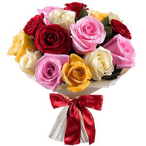 Букет из 15 разноцветных роз